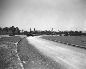 1938 Moss at Orleans before the street was paved (looking towards Cabrini)
