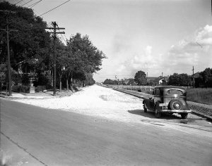 1938 Orleans at City Park Ave (looking towards bayou) before paving